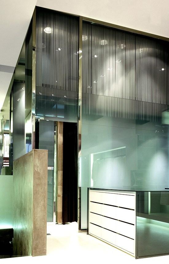 fb8bac174010 Rappresenta il primo esempio di una serie di negozi di proprietà che  verranno realizzati in località diverse